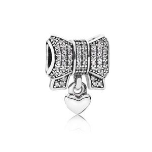 Pandora heart & Bow dangle charm 🦋✨💕✨💕✨💕✨💕✨💕